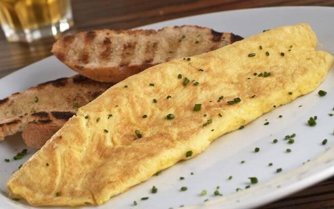 Omelete, do 210 Diner: a receita clássica não é frita dos dois lados e deve ser pouco dourada