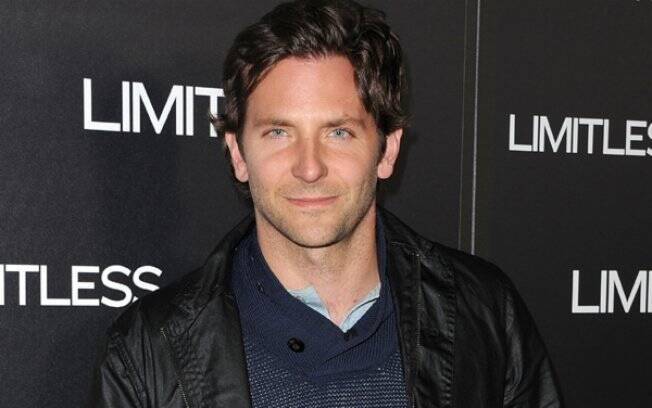 Bradley Cooper afirma: Charlie Sheen não está na continuação de
