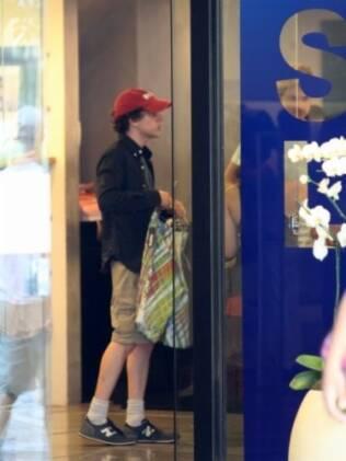 Jesse Eisenberg aproveitou para fazer compras