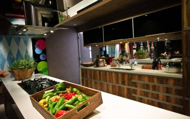 Para não criar uma fumaceira na cozinha ou deixá-la quente demais é preciso ter por perto um ótimo sistema de exaustão como a do Gourmet Center