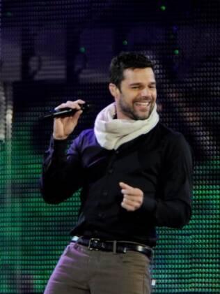 O cantor, pai de filhos gêmeos, pensa em adotar crianças