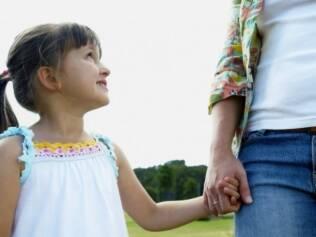 Na nova família, a figura da madrasta ainda é carregada de preconceito: o casal deve agir como agente tranquilizador