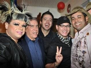 Amanda di Poly, Nonô, Max e Dicésar na inauguração do Sushi Bar do Cowboy