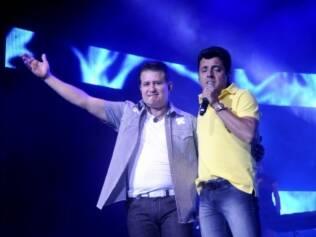 Bruno (à dir.) fará show em São Paulo sem Marrone