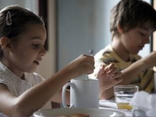 O café é uma bebida estimulante e pode ser um aliado para os estudos - ou um obstáculo para o desenvolvimento