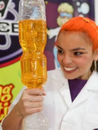 Jessi Júpiter, uma das cientistas malucas do Mad Science