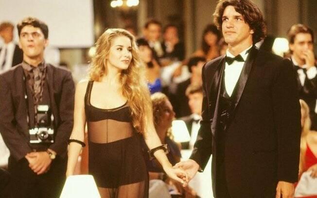 Danielle Winits e Rômulo Arantes, galã da época, em cena de Sex Appeal