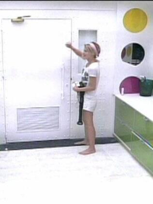 Diana bate na porta do lado B, mas ninguém acorda para abrir