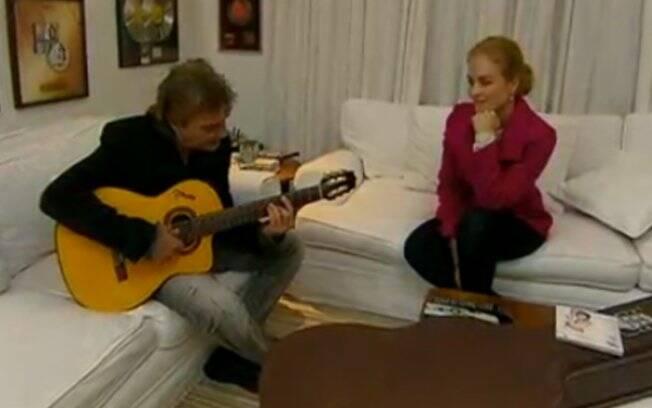 Fábio Jr. apresenta uma de suas canções para Angélica