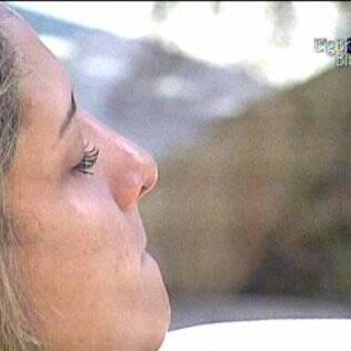Logo pela manhã, Natália chora