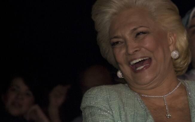 A primeira dama da TV Hebe Camargo na primeira fila do show de Tom Cavalcante: diversão