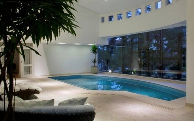 Conhe a alguns projetos de piscinas internas arquitetura ig - Piscina interna casa prezzi ...
