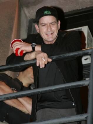 Charlie Sheen após o show em Toronto nessa quinta-feira (14)