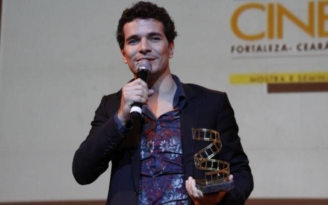 Daniel de Oliveira recebe homenagem