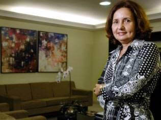 Martha Rocha em seu gabinete: orquídeas dão o toque feminino