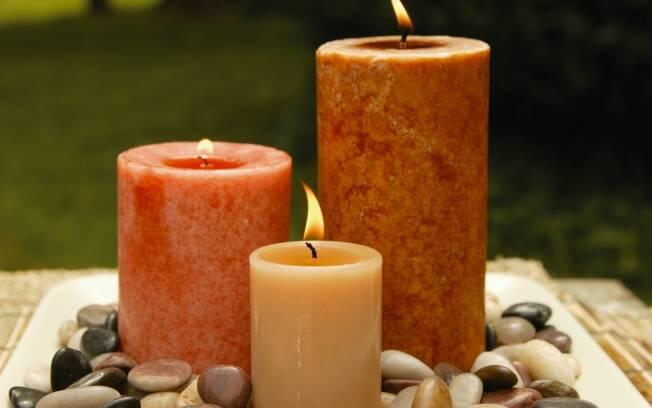 Na sala, lugar de receber pessoas com gostos variados, evite aromas muito doces, como o da baunilha