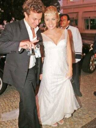 A apresentadora Angélica e Luciano Huck também se casaram