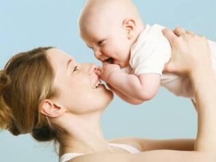 Regras de comportamento regem a convivência com o bebê em público