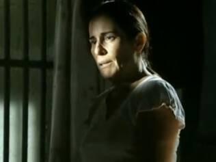 Norma (Glória Pires), na cadeia: