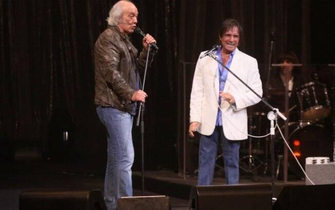 Erasmo foi homenageado pelo amigo, Roberto Carlos, que cantou e fez brincadeiras no palco
