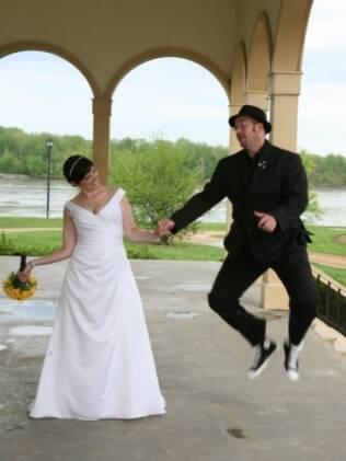 Melissa e Todd: informalidade e diversão no casamento à americana