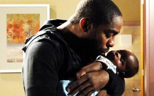 Lázaro Ramos se emociona ao gravar cena como pai