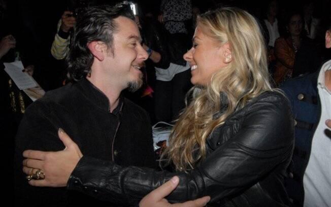 Adriane Galisteu e Alexandre Iódice: o casal viaja junto à Itália para as fotos da Playboy