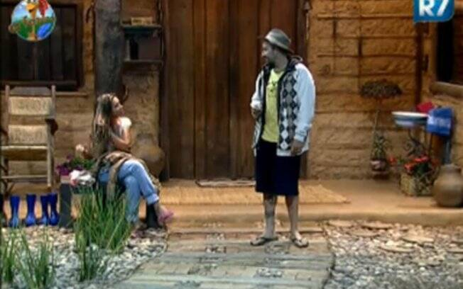 Renata Banhara e Gui Pádua conversam na varanda
