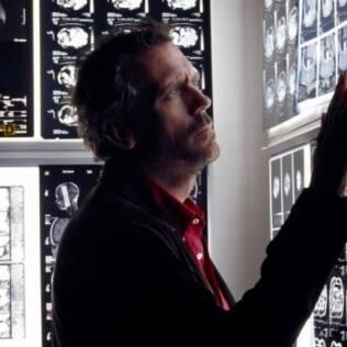 Hugh Laurie como o individualista e popular médico de