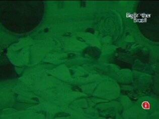 Janaina vai dormir no Quarto Jujuba