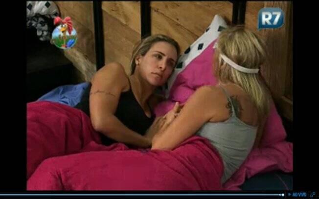 Duda e Joana conversam sobre votos