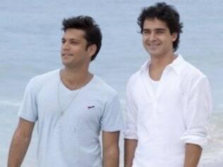 Thales (Armando Babaioff) e Julinho (André Arteche): sem beijo