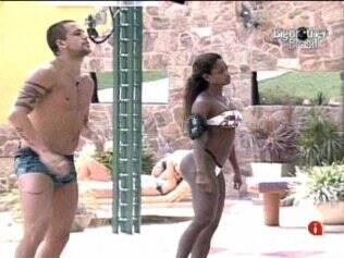 Diogo e Jaqueline ensaiam alguns passos de dança