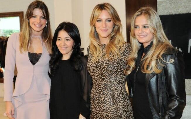 Daniella Cicarelli posa ao lado de Lu Monteiro, Giovanna Ewbank e Milene Domingues