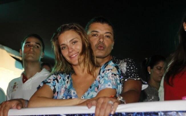 Carolina Dieckmann e o promoter David Brazil