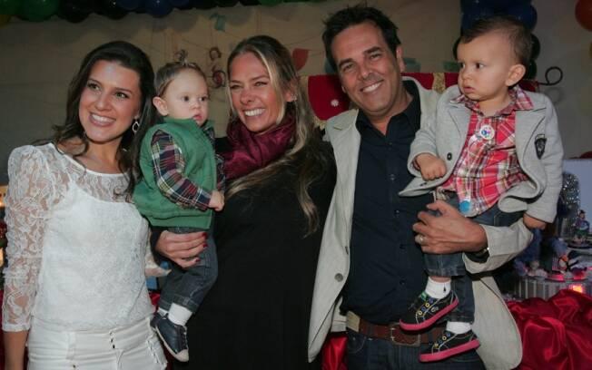 Fernanda Camargo, Galisteu com o filho Vittorio e o aniversariante Theo no colo do pai, Marco Camargo