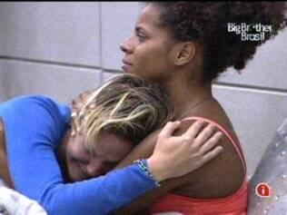 Diana chora muito por ter indicado Janaina ao Paredão