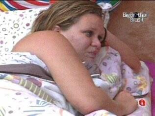 Paulinha chora no Quarto Jujuba