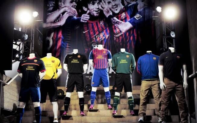 5aa5489a49 Barcelona apresenta oficialmente seu novo uniforme - Futebol - iG