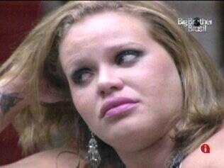 Paulinha chora antes da festa