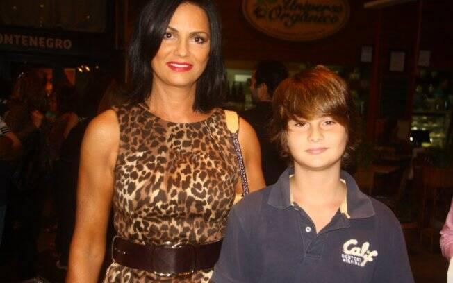 Luiza Brunet com o filho Antonio