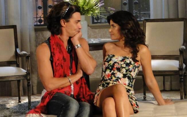 Homossexual assumido, Áureo teve um romance de fachada com Celeste (Vanessa Giácomo) para fazer ciúme em Abner (Marcos Pasquim)