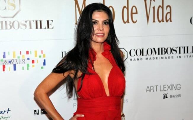 Adriana é marchand, socialite, empresária, mãe e dona-de-casa.