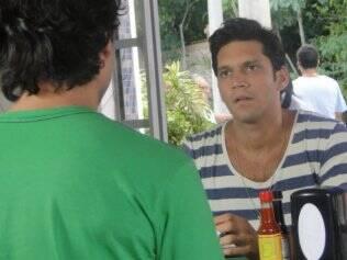 Thales pede perdão a Julinho e tenta uma reconciliação