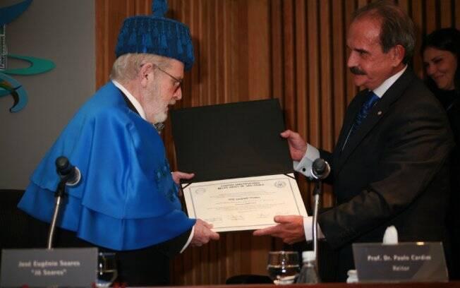 Jô Soares é homenageado durante evento na Universidade Belas Artes