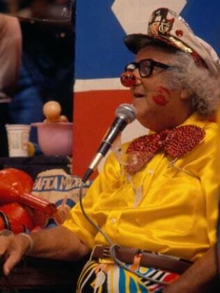O apresentador era mestre em fantasias bizarras e anárquicas