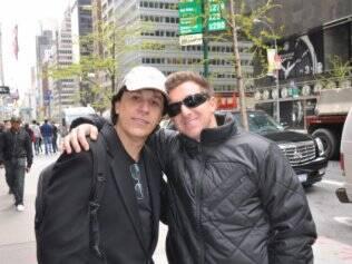Luciano Huck e Tom Cavalcante se encontram em Nova York