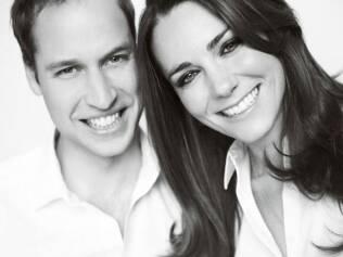 A nova foto oficial do casal, que estará impressa no programa da cerimônia
