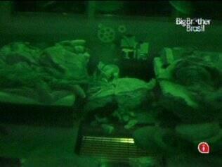 Brothers deixam a Festa Folia e vão dormir mais cedo