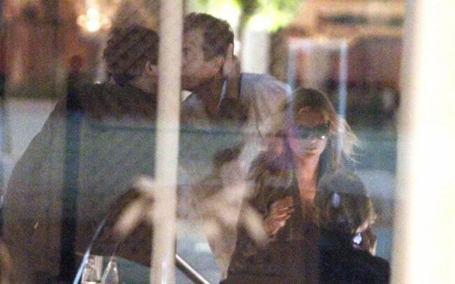 A top e o músico fizeram reunião com o fotógrafo Mario Testino